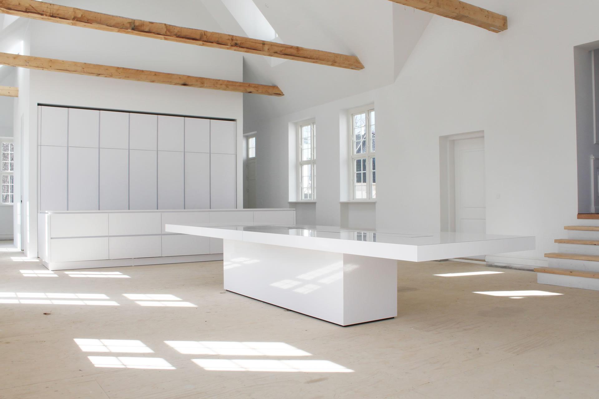 wei e b rom bel hochglanz wei e b rom bel von rechteck. Black Bedroom Furniture Sets. Home Design Ideas