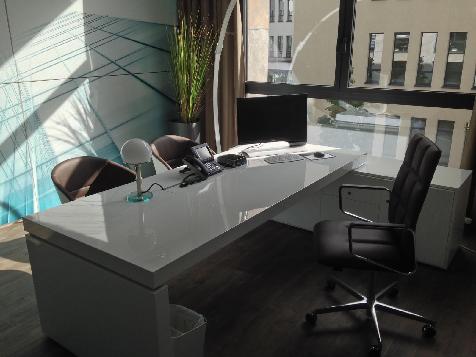 Bsk Nürnberg chefzimmer schreibtisch praefectus minimalistischer