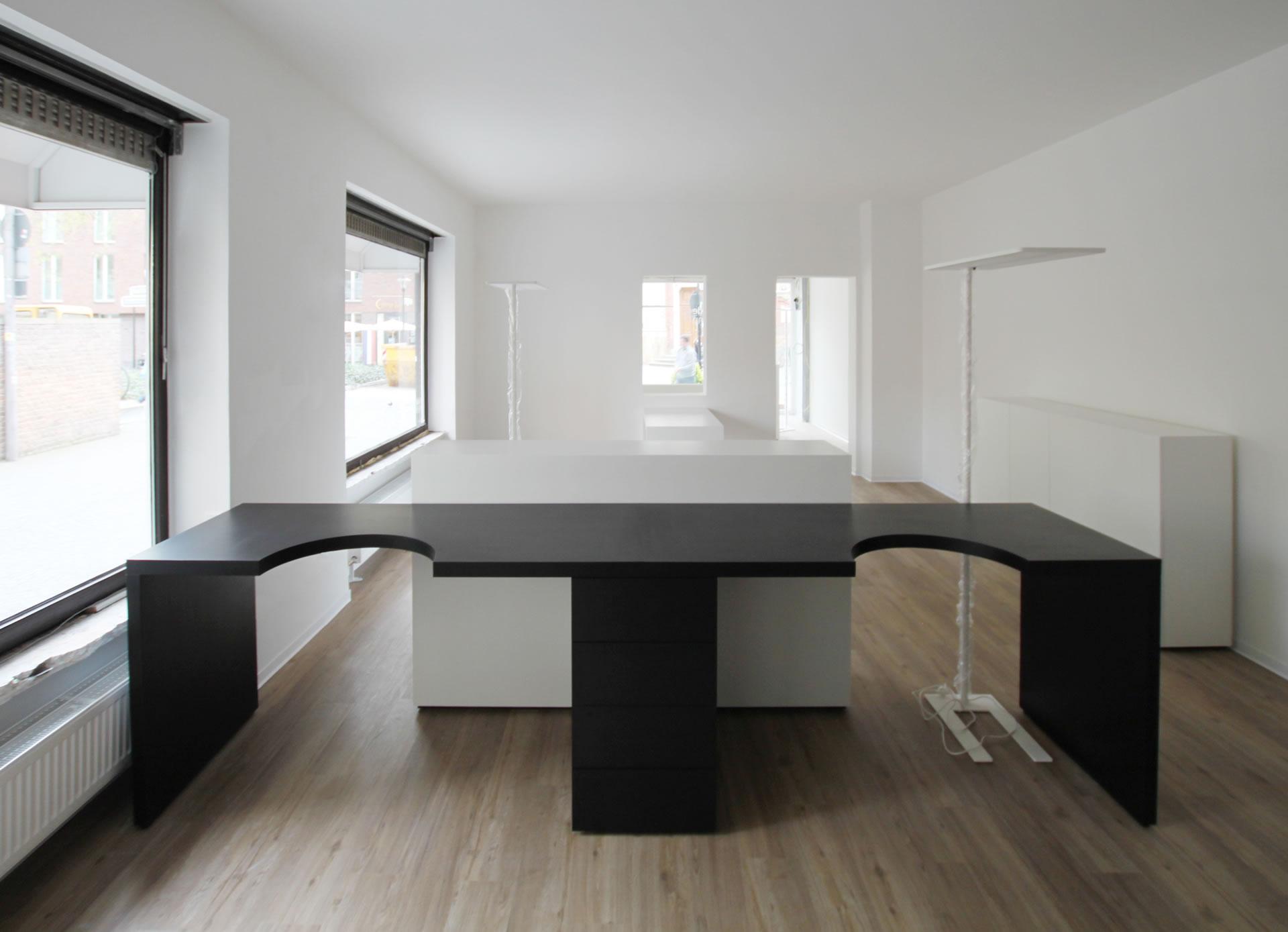 Ladenbau puristischer ladenbau rechteck design m bel for Design stuhl aufgabe