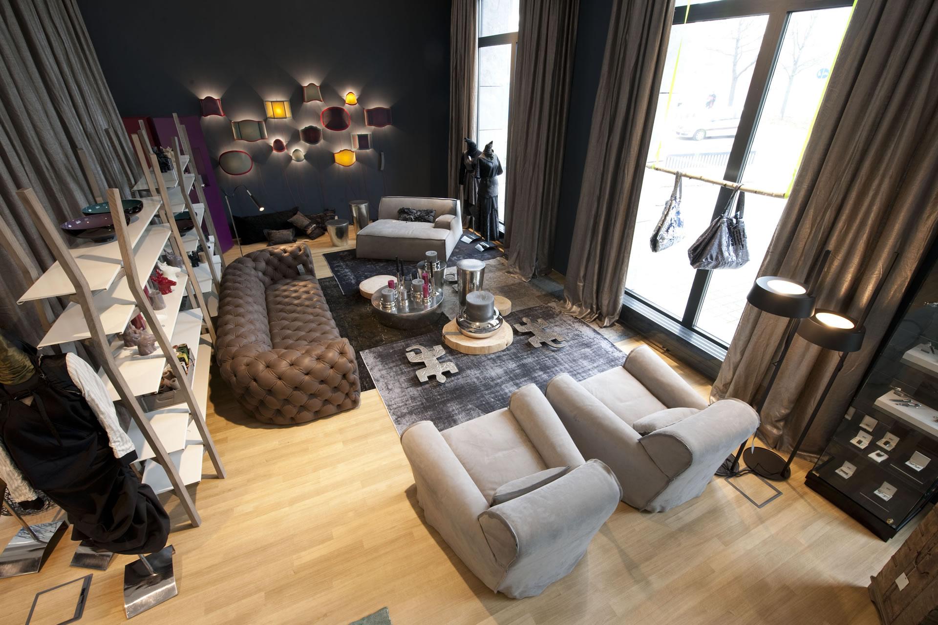h ndler bsk in n rnberg ausstellung von rechteck. Black Bedroom Furniture Sets. Home Design Ideas