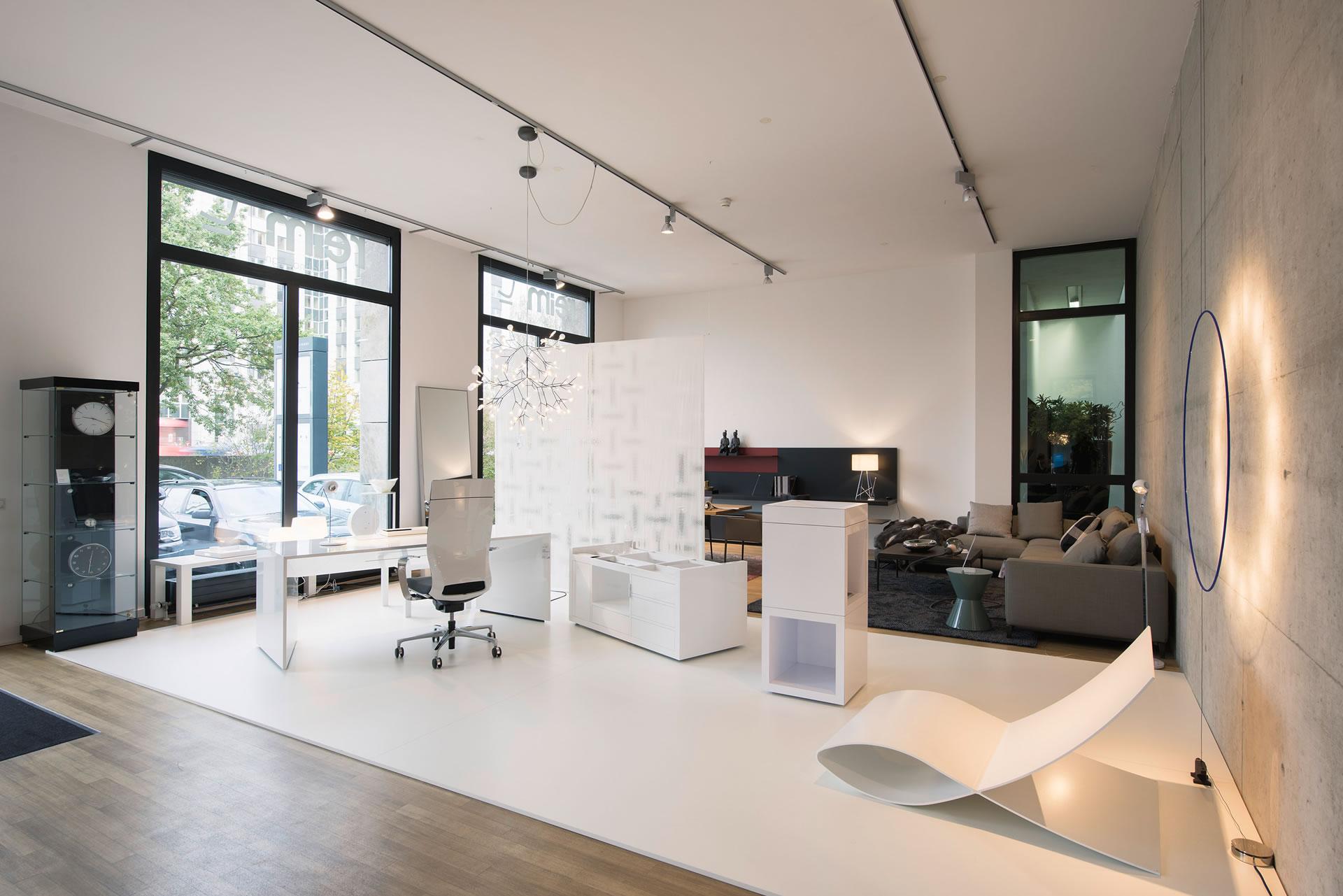 Rednerpult oratio puristisches design rednerpult von for Schreibtisch container design